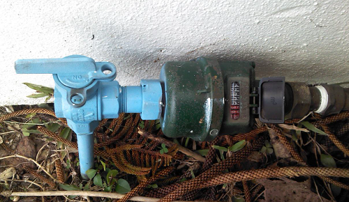 Water meter with haemodialysis sky blue marker